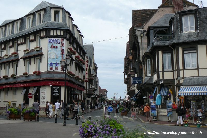 Etretat ville arts et voyages for Appart hotel etretat